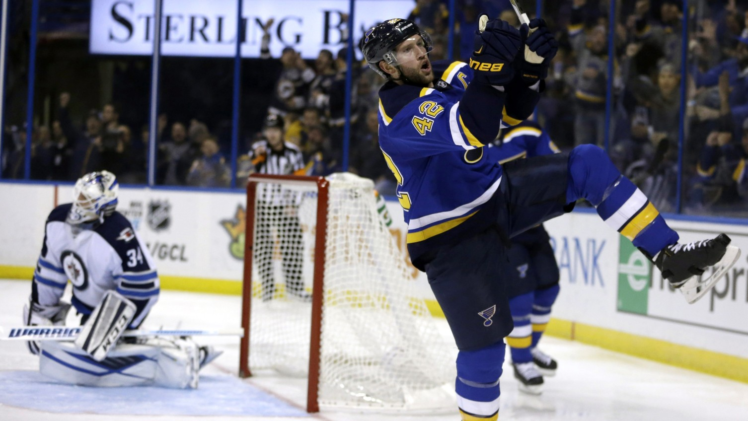 David Backes signs one-day contract to retire with Blues