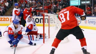 TORONTO, ON - SEPTEMBER 17: Sidney Crosby #87 of Team Canada scores at 8:26 of the first period against Michal Neuvirth #30 of Team Czech Republic during the World Cup of Hockey tournament at the Air Canada Centre on September 17, 2016 in Toronto, Canada. (Photo by Bruce Bennett/Getty Images)