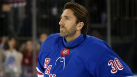 Henrik Lundqvist cannot return for Capitals: 'My heart isn't ready'