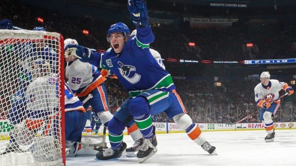 Canucks extend Islanders losing streak, streaks go bad for Stars Flyers