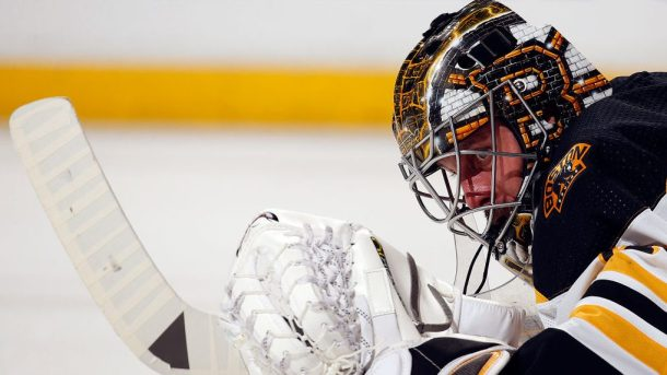 Bruins extend extension Jaroslav Halak $2.25M free agent goalies