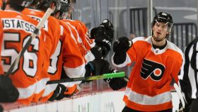 Flyers beat Penguins to start season: Four for Farabee and other takeaways