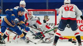 Sabres lose in Taylor Hall's first game; Painful debut for Eric Staal