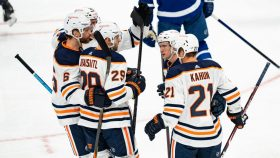 Oilers show they can win ugly against the Maple Leafs