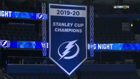 Lightning reveal (but don't raise) Stanley Cup banner, start season vs. Blackhawks
