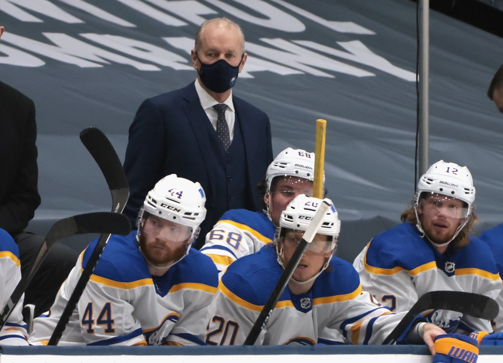 Sabres coach on hot seat; GM says team's play 'unacceptable'