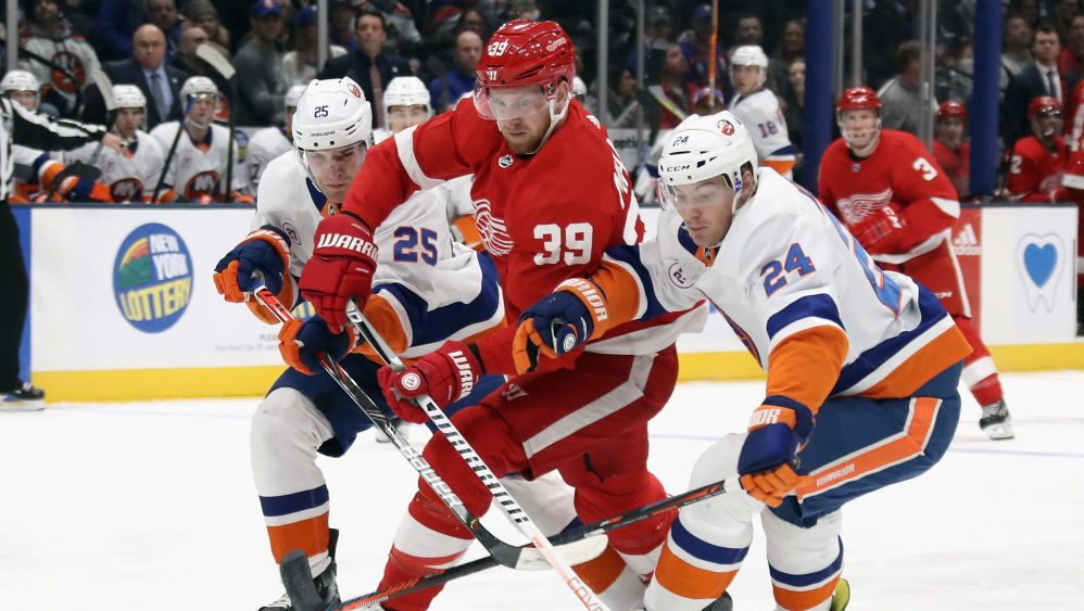 NHL on NBCSN: Mantha makes already-beefy Capitals that much bigger