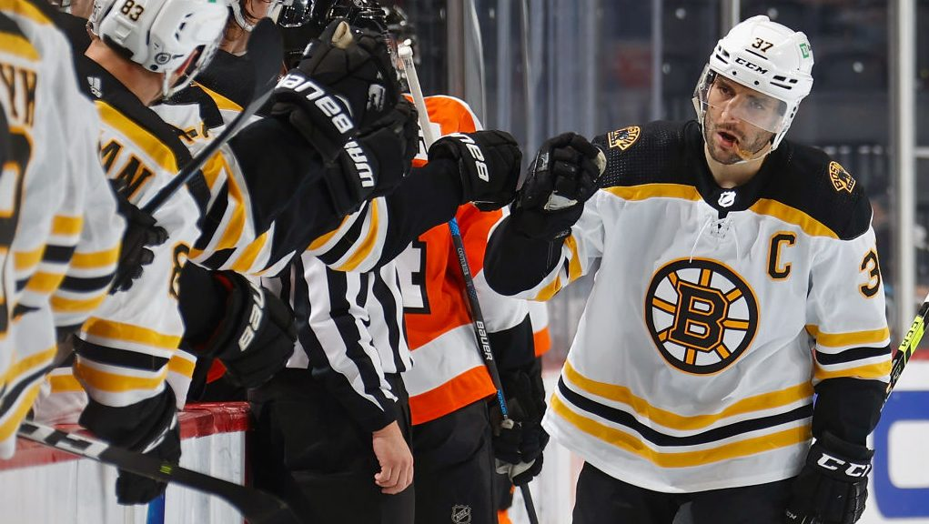 The Buzzer: Bergeron passes 900 points, more from Tuesday in NHL