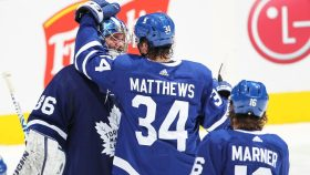 The Buzzer: Matthews helps Campbell makes Maple Leafs history (Saturday in NHL)