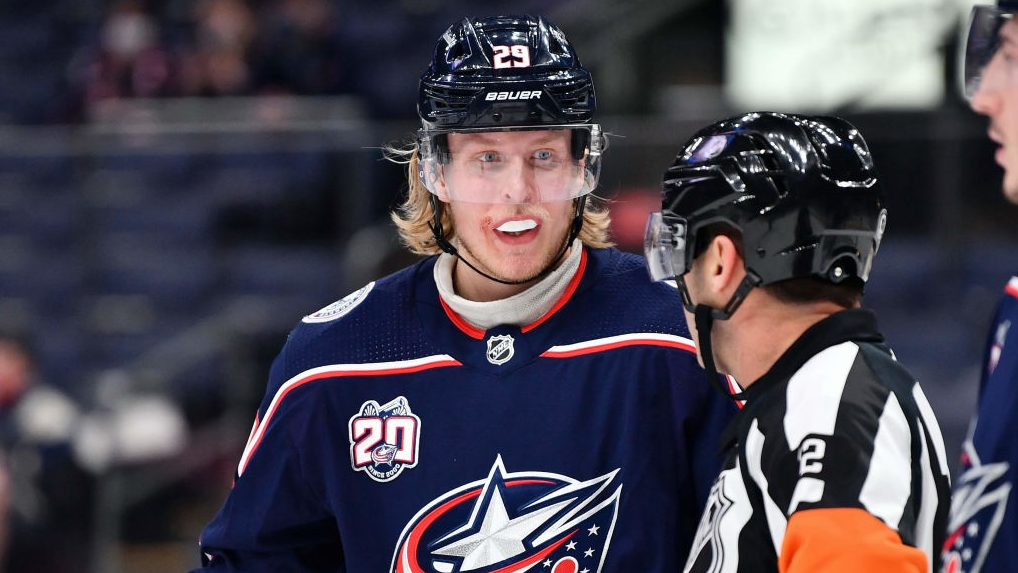 Plenty of questions for Laine, Blue Jackets, despite one-year deal