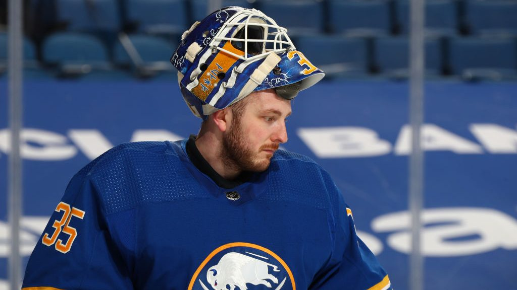 Bruins give Ullmark a surprisingly big free-agent deal with Rask's future cloudy