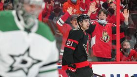 NHL Rink Wrap: Senators hold off Stars in Sunday's only game