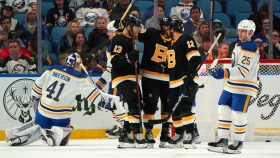 NHL Rink Wrap: Sabres lose, but Sharks stay undefeated